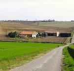 Une ferme dans la plaine de Sainte Colombe, Sainte Eulalie